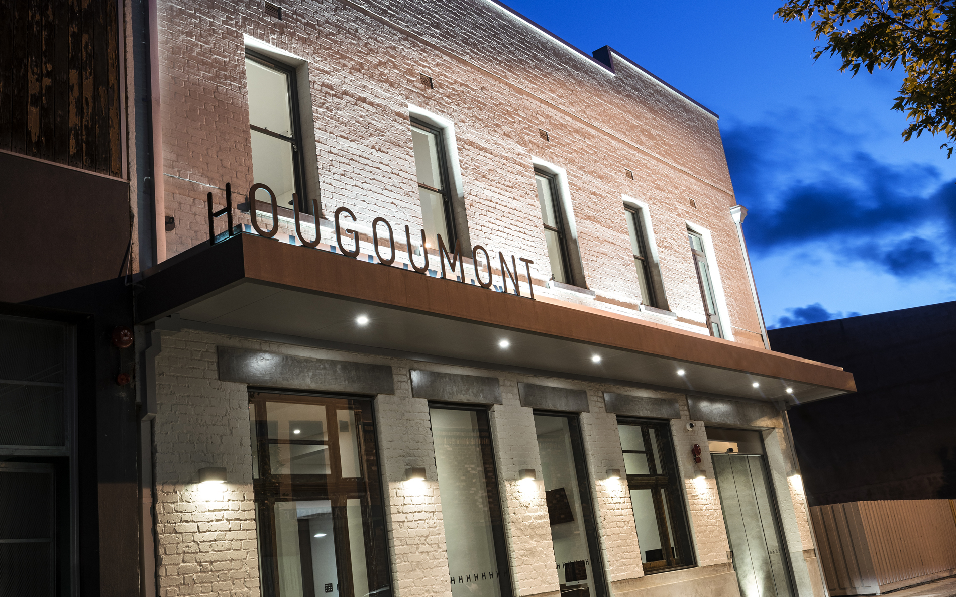 Hougomont Hotel
